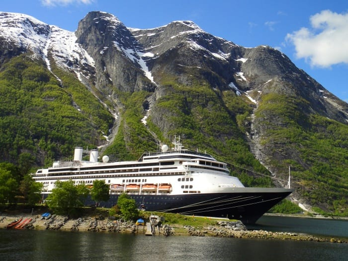 Fred Olsen. Cruise Lines delays return until May